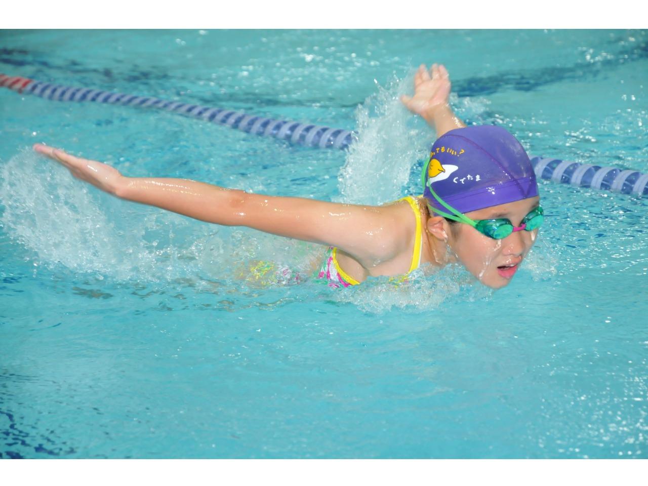 子供の水泳プログラム